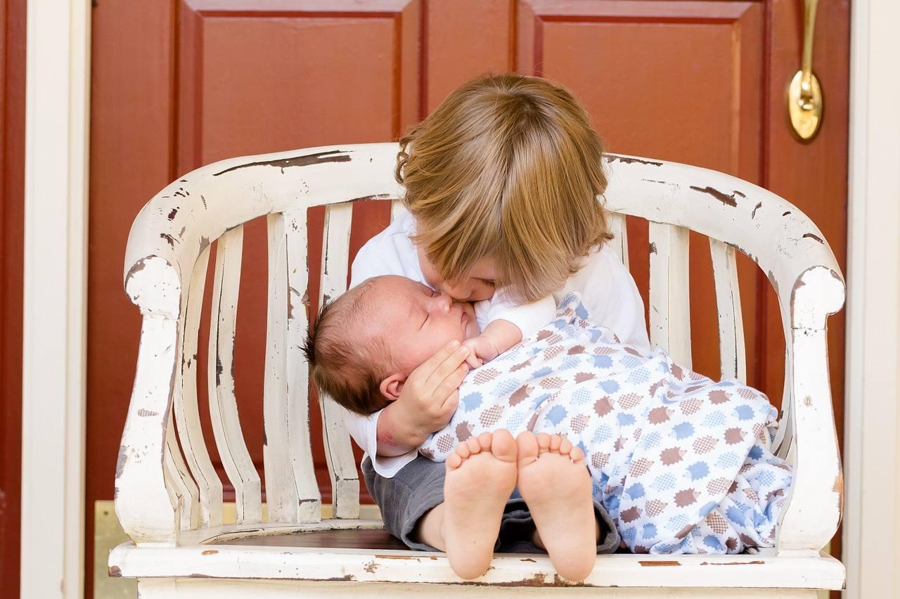 Piccoli in trasferta: gestire i bambini durante i traslochi